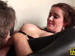 Cunt licked british mature fingers her pussy^5:50