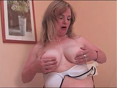 Sexy Hairy Mature Woman^7:29